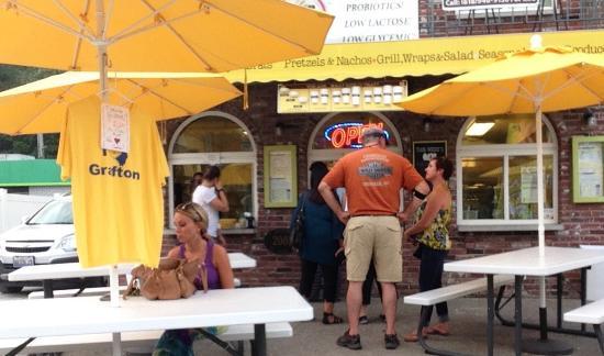 Grafton, IL: Grafting Ice Cream Company