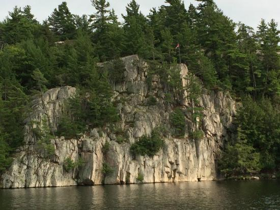 Whitefish Falls, Canadá: Rock wall located at the end of CLC property