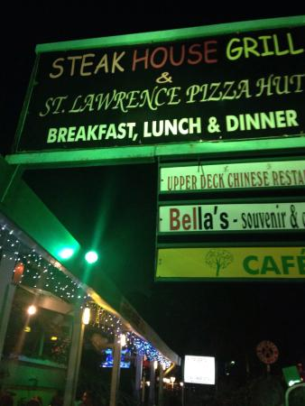 Steak House Grill & St. Lawrence Pizza Hut: Pizza