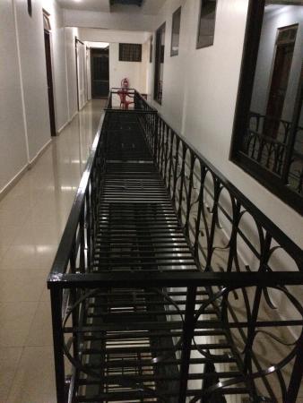 Zebra Hotel: Corridor of fourth floor.