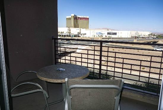 Balcony picture of staybridge suites las vegas las for What does balcony mean