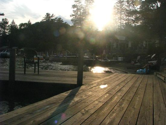 Carey's Lakeside Cottages: View from dock