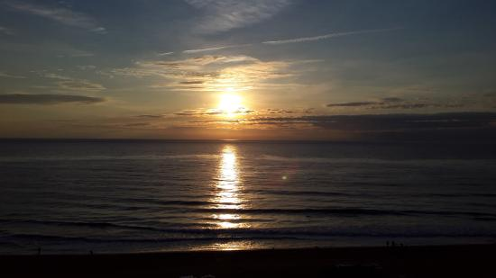 Ocean Beach Club: sun rise from straight ahead view ..  i paint when here so another reason for hoping for vista v