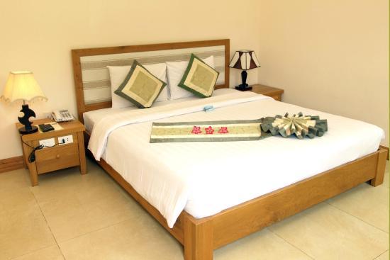 Huong Phong - Ho Coc Resort : phòng ngủ