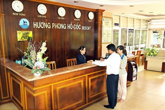 Huong Phong - Ho Coc Resort: lễ tân