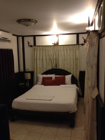 New Lao Paris Hotel: The single room