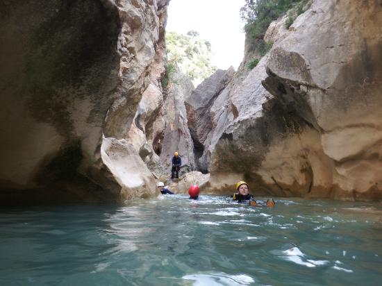Avalancha Actividades de Aventura en la Sierra de Guara : Canyoning