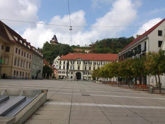 Dreifaltigkeitssaule: Graz - Karmeliterplatz