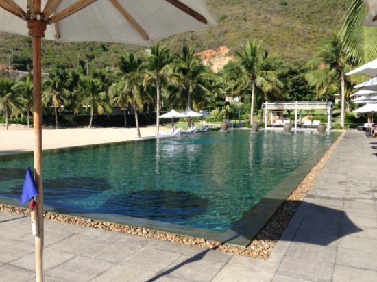 Mia Resort Nha Trang: main resort 25m pool