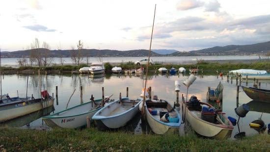 Camping & Village Villaggio Italgest: accesso al lago con barche