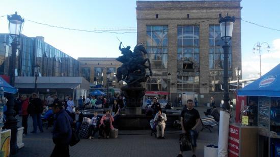 Памятник-фонтан Георгий Победоносец