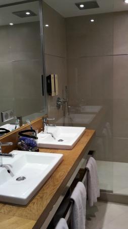 Hotel Le Fouquet's: bagno