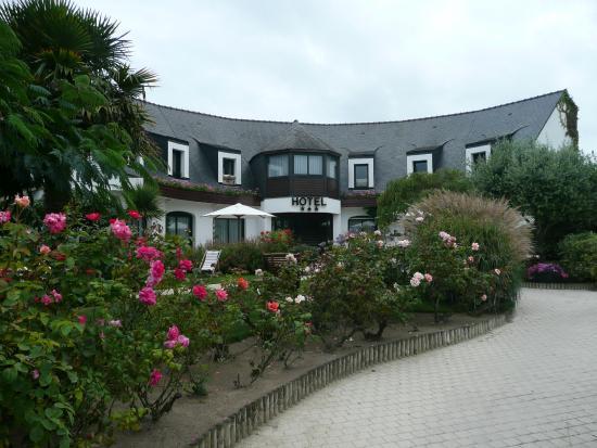 Hôtel des Trois Fontaines : L'Hotel en façade