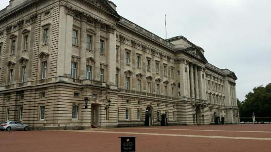 Photo A Definate Visit To Buckingham House Was The Top Of Our List