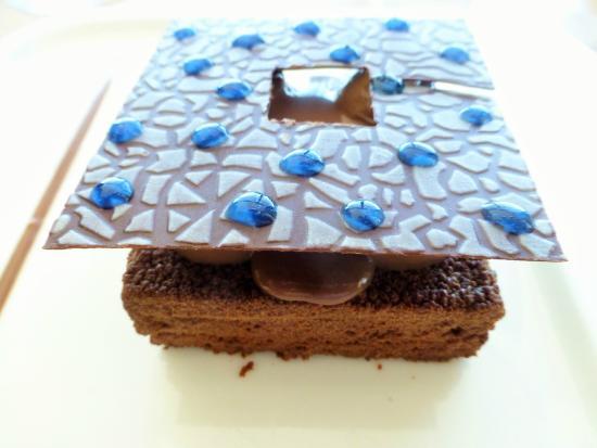 sublime g teau chocolat d cor mucem picture of le mole passedat marseille tripadvisor. Black Bedroom Furniture Sets. Home Design Ideas