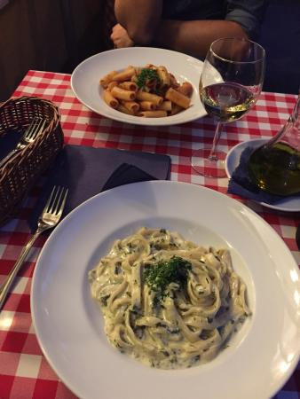 Pasta i Basta Cafe: Fresh and tasty food, but far from old town. Good prices, friendly waters.