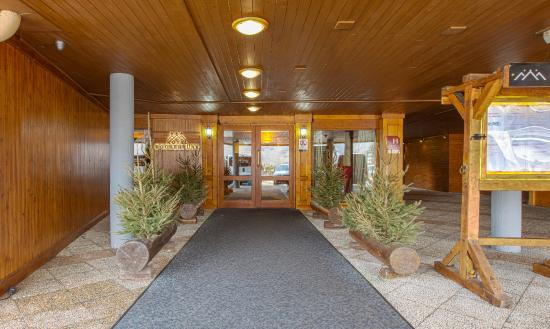 Hotel Royal Rochebrune: Entrance