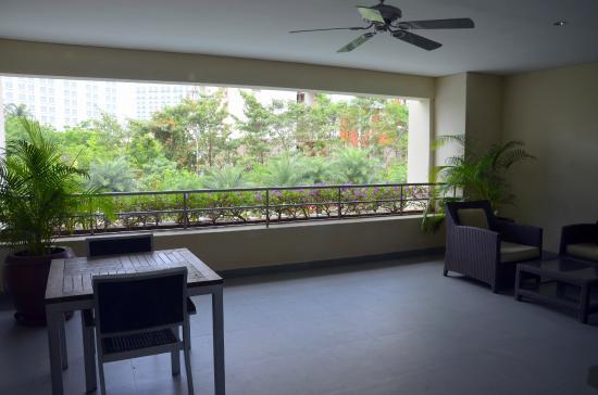 Somerset Greenways Chennai: Balcony