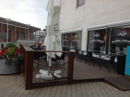 В кафе можно почитать финские газеты  kuva Konditoria Imatrankoski Oy, Ima