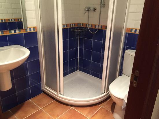 Pension Aida: Ванная комната в одноместном номере
