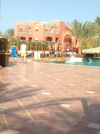 TUI Magic Life Sharm el Sheikh: Relaxen bij de zwembaden