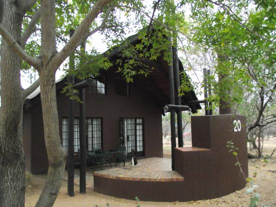 Burchell's Bush Lodge: One of the lovely units in the bush.