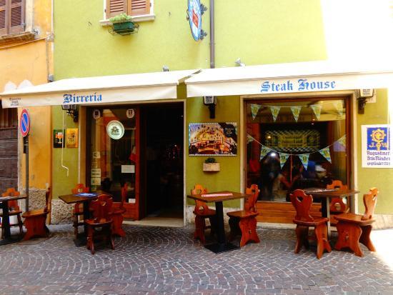 Birreria Taverna degli Scudi: gran bel locale