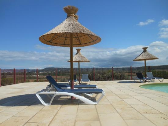 Piscine picture of camping mer et camargue calvisson for Camping en camargue avec piscine