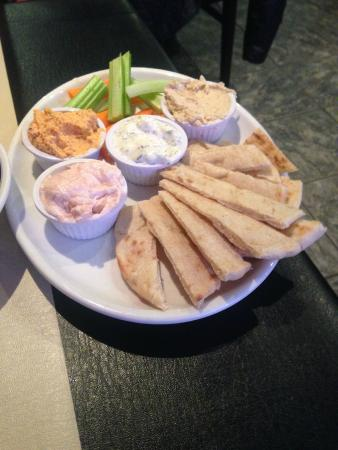 Pitta, carrot sticks,  with 4 dips