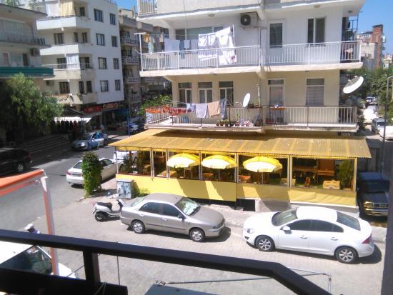 Hotel Hikmethan: Pogled sa nase terase
