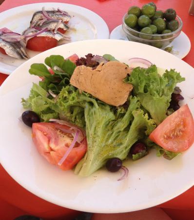 Santa Marta: Салат с тунцом