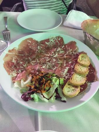 Restaurante restaurant pensio marfil en la jonquera con for Restaurant la jonquera