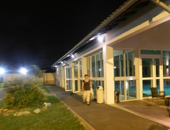 Azureva Hendaye: la piscine de nuit (ouverte jusqu'à 21h)