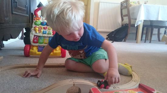 Fernhead Guest House : Play time at breakfast room