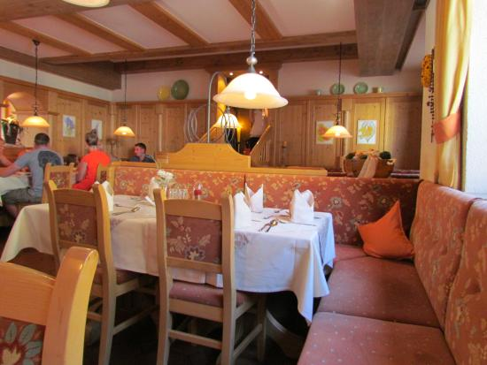 Hotel Zum Hirschen: de eetzaal