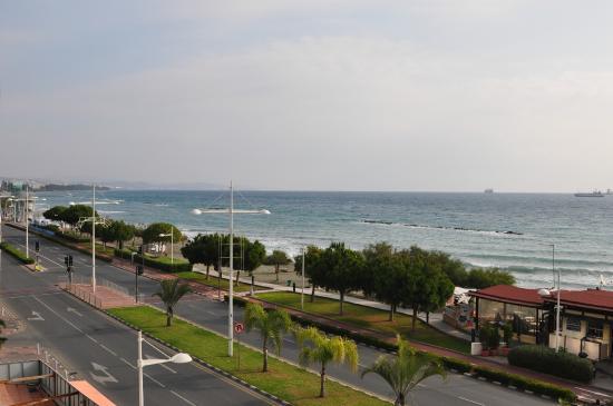 Pier Beach Aparthotel: вид из номера