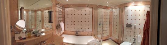 Petriolo SPA Resort | UNA Esperienze: Bagno in camera