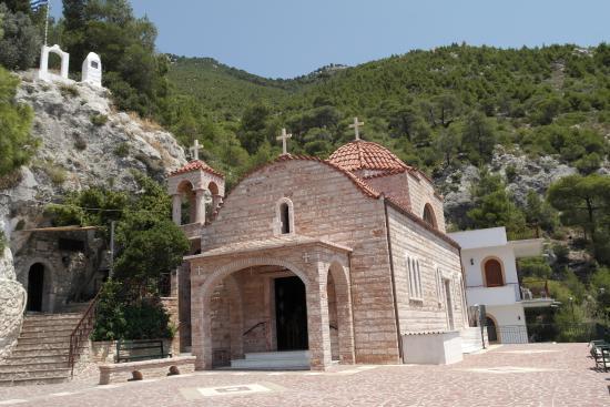 Loutraki, Grecia: Монастырь Потапия