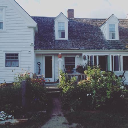Mountain Village Farm B&B: The exterior of this lovely jewel