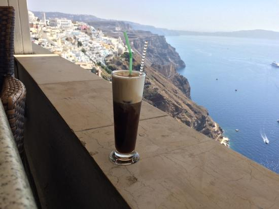 Kastro: Freddo Cappuccino with breathtaking view! Simply Greece!