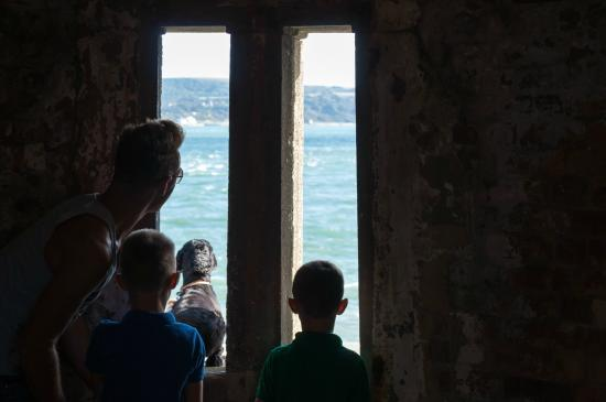 Hurst Castle: Looking out to sea