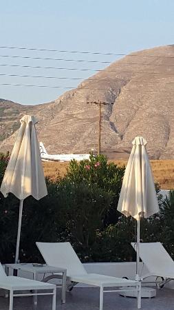 Imperial Med Hotel, Resort & Spa: Aereo  pronto al decollo visto dal ristorante