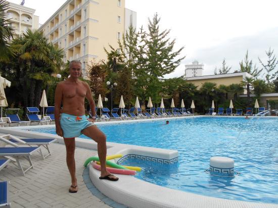 Αμπάνο Τέρμε, Ιταλία: La piscina
