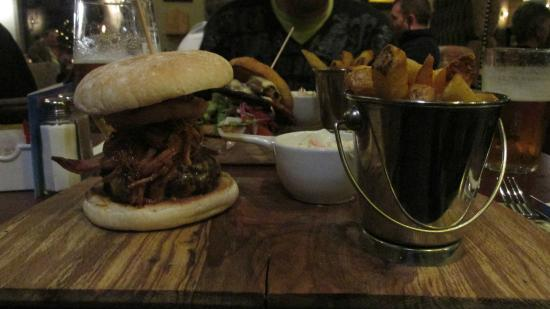 Black Bull: hamburger