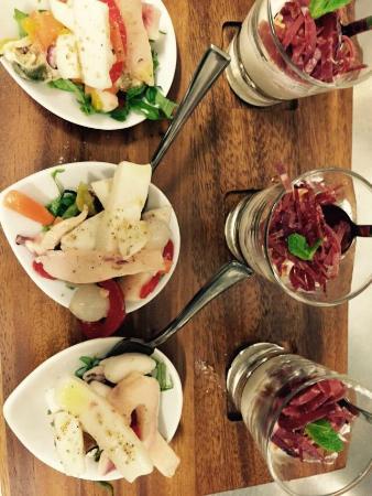 Sabato sera aperitivo con buffet foto di bar gelateria for Bar ai portici