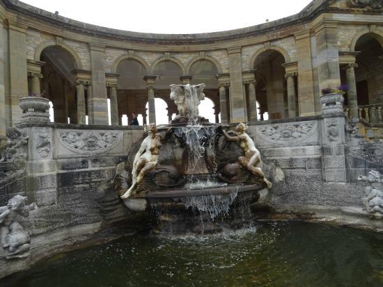 Hever Castle & Gardens: Fountain