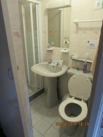 أبي لودج: lovely clean bathroom