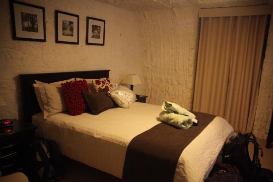 Underground Bed & Breakfast: Our bedroom