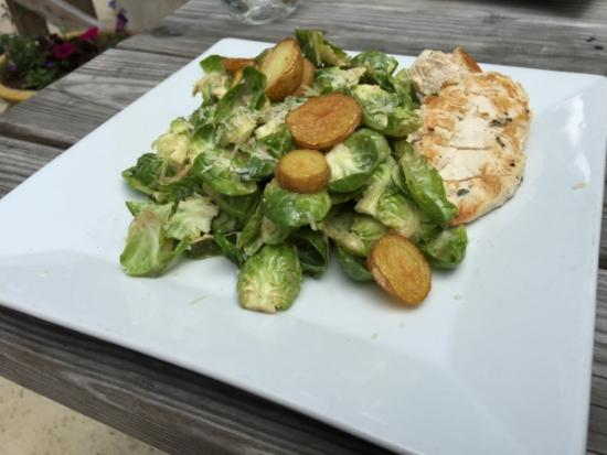 Native Kitchen & Social Pub: Brussel Sprout Ceaser Salad