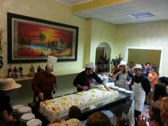 Hotel Jumbo: Torta
